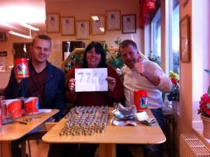 Joel Hamberg och Maria Forsberg tillsammans med kampanjgeneralen Göran Klingensjö