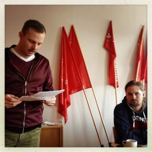 Joel Hamberg redogör för kommungruppens förslag till verksamhetsplan