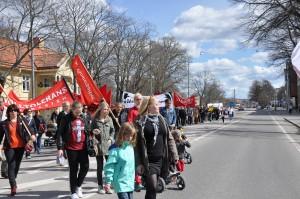 Många deltog i Vänsterpartiet demonstrationståg