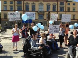 Vänsterpartiet demonstrerade för tillgänglighet